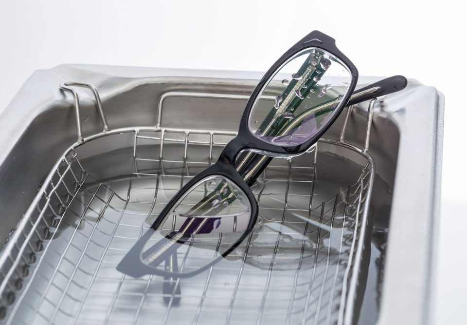 Ultrasonic cleaning eyeglasses